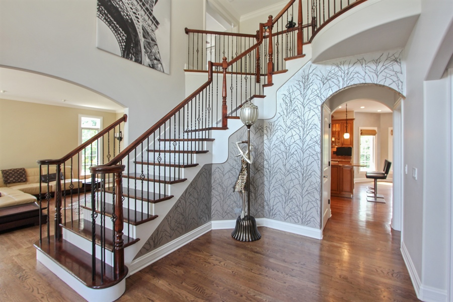Real Estate Photography - 205 Beech Dr, Lake Zurich, IL, 60047 - Foyer
