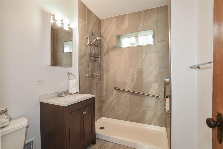 Real Estate Photography - 555 Michigan, Highland Park, IL, 60035 - Bathroom