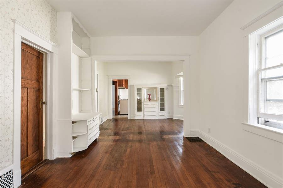 Real Estate Photography - 555 Michigan, Highland Park, IL, 60035 - Living Room/Dining Room