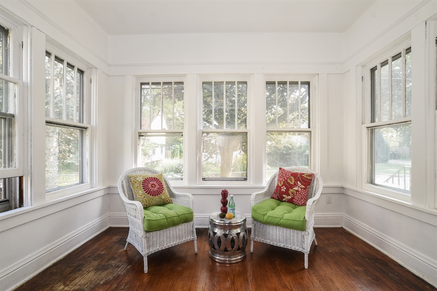 Real Estate Photography - 555 Michigan, Highland Park, IL, 60035 - Sunroom