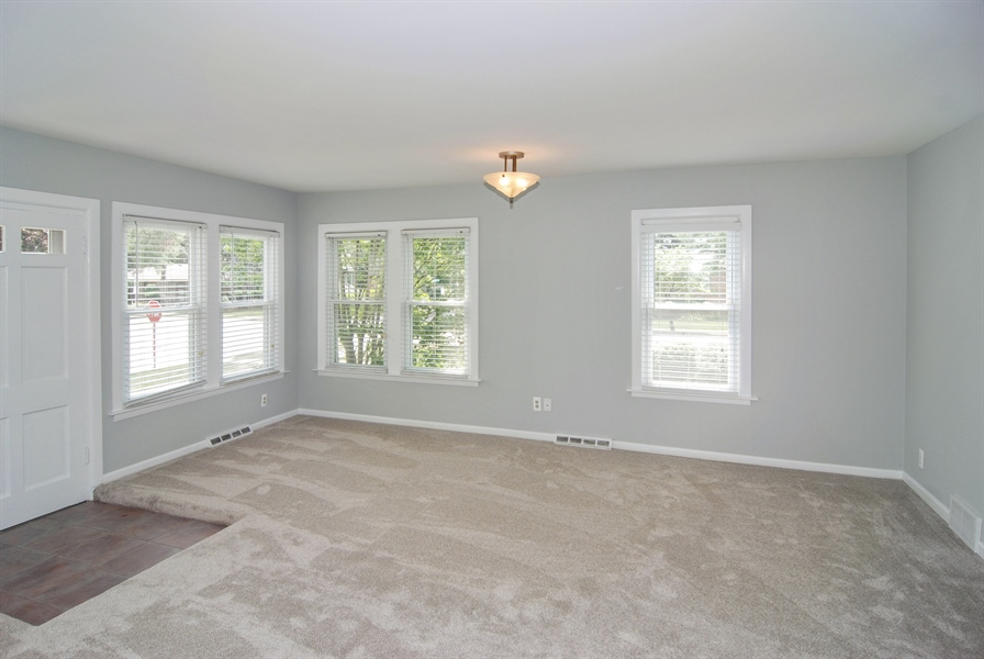 Real Estate Photography - 3438 McCormick Avenue, Brookfield, IL, 60513 - Dining Room