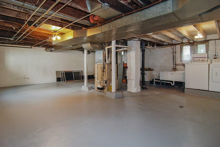 Real Estate Photography - 3438 McCormick Avenue, Brookfield, IL, 60513 - Basement Laundry Area