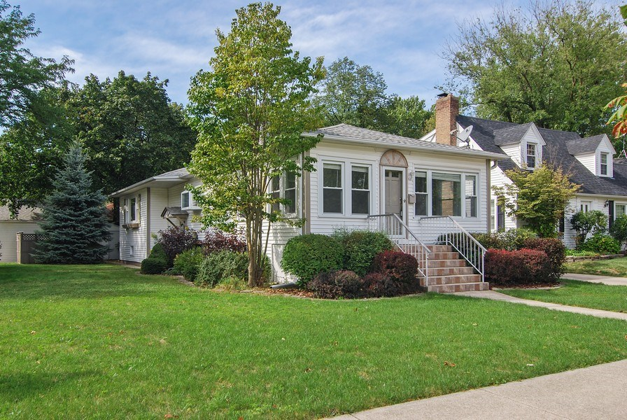 Real Estate Photography - 3438 McCormick Avenue, Brookfield, IL, 60513 - Side View