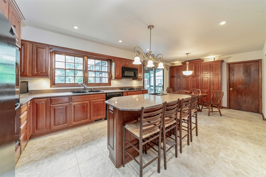 Real Estate Photography - 22W324 Hillcrest Terrace, Medinah, IL, 60157 - Kitchen