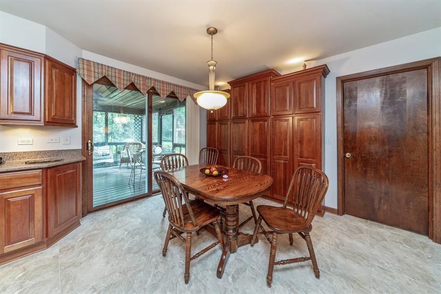 Real Estate Photography - 22W324 Hillcrest Terrace, Medinah, IL, 60157 - Breakfast Area