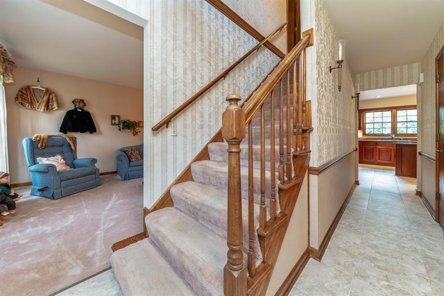 Real Estate Photography - 22W324 Hillcrest Terrace, Medinah, IL, 60157 - Hallway