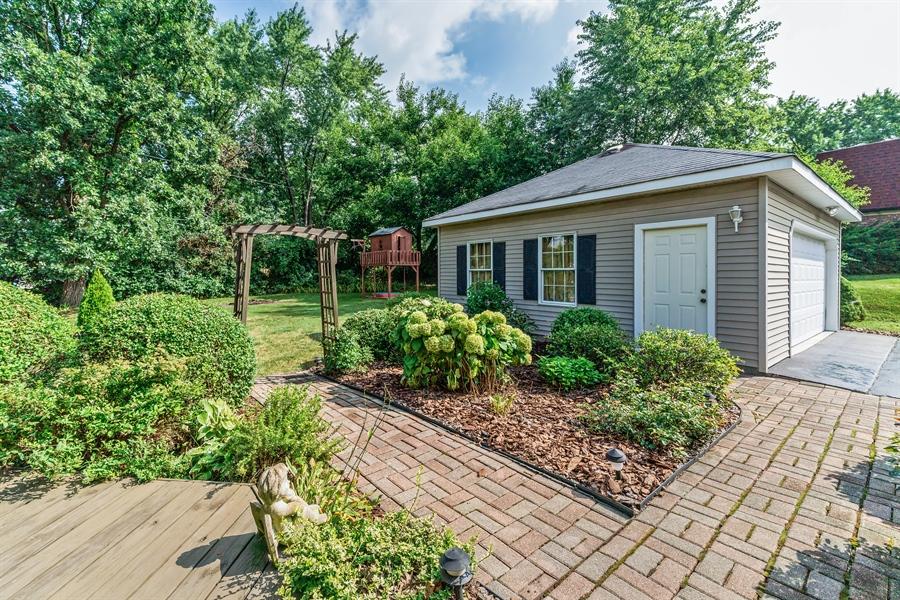Real Estate Photography - 22W324 Hillcrest Terrace, Medinah, IL, 60157 - Patio