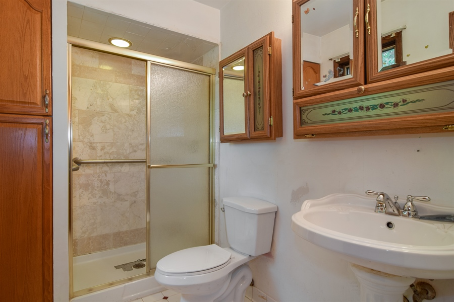 Real Estate Photography - 1241 Central Ave, Bensenville, IL, 60106 - Master Bathroom