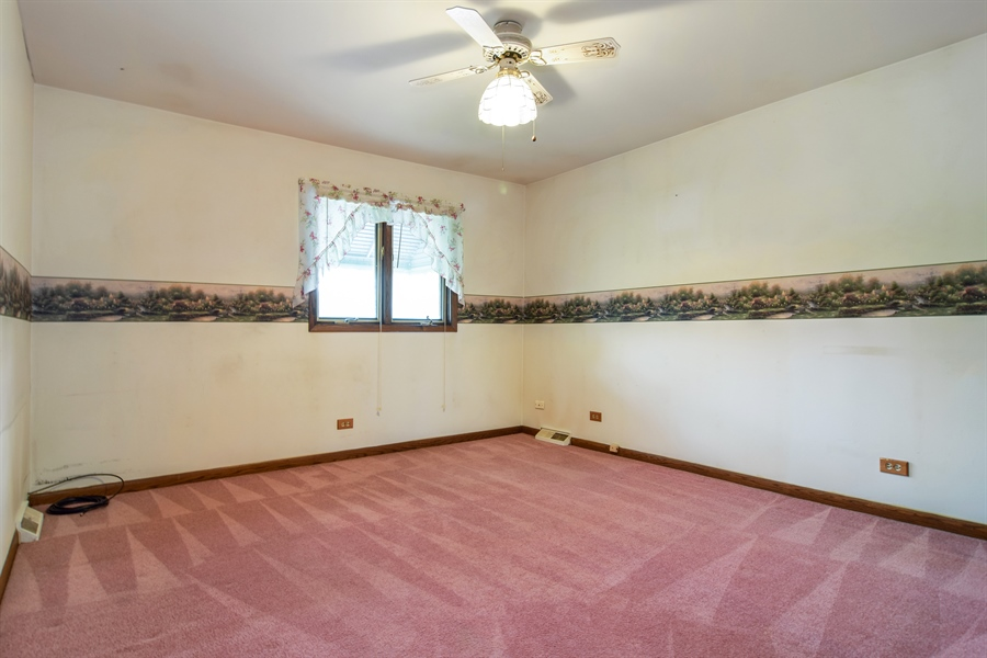 Real Estate Photography - 1241 Central Ave, Bensenville, IL, 60106 - Bedroom