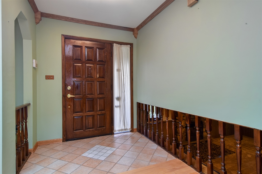 Real Estate Photography - 1241 Central Ave, Bensenville, IL, 60106 - Foyer