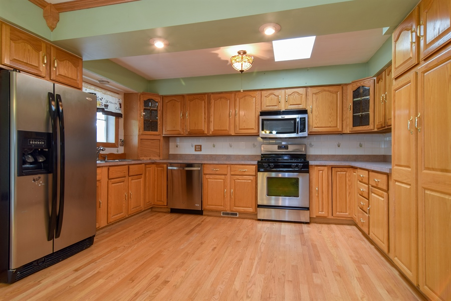 Real Estate Photography - 1241 Central Ave, Bensenville, IL, 60106 - Kitchen