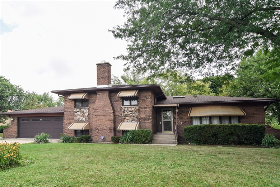 Real Estate Photography - 1241 Central Ave, Bensenville, IL, 60106 - Front View