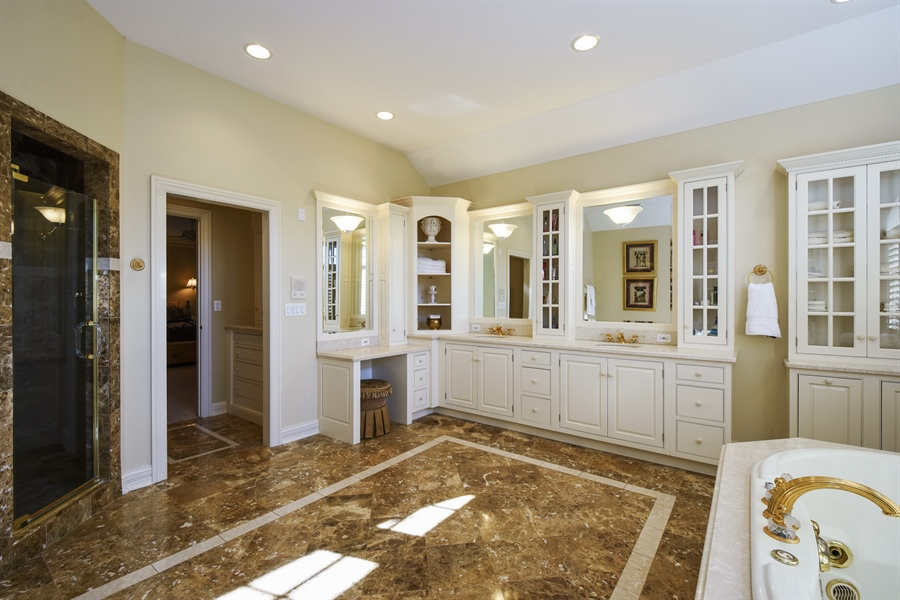 Real Estate Photography - 1 Porter School Road, Barrington Hills, IL, 60010 - Master Bathroom