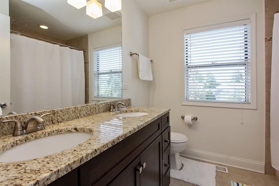 Real Estate Photography - 512 Braemar Ln, Barrington, IL, 60010 - 2nd Bathroom