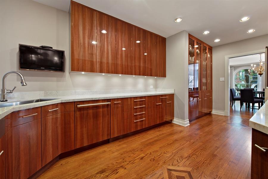 Real Estate Photography - 24 E Scott, Unit 1, Chicago, IL, 60610 - Kitchen