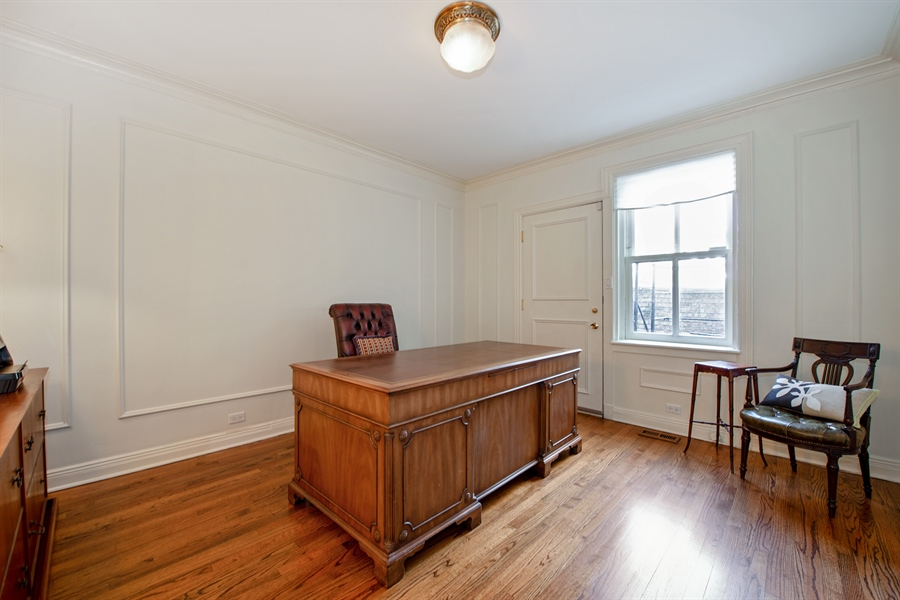 Real Estate Photography - 24 E Scott, Unit 1, Chicago, IL, 60610 - Master Bedroom