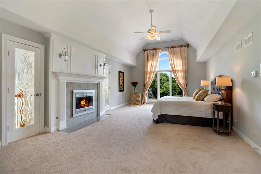 Real Estate Photography - 15 S Meadow, South Barrington, IL, 60010 - Master Bedroom
