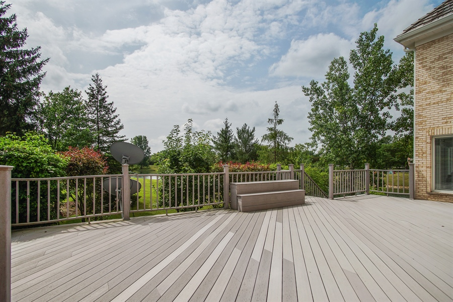 Real Estate Photography - 15 S Meadow, South Barrington, IL, 60010 - Back Yard