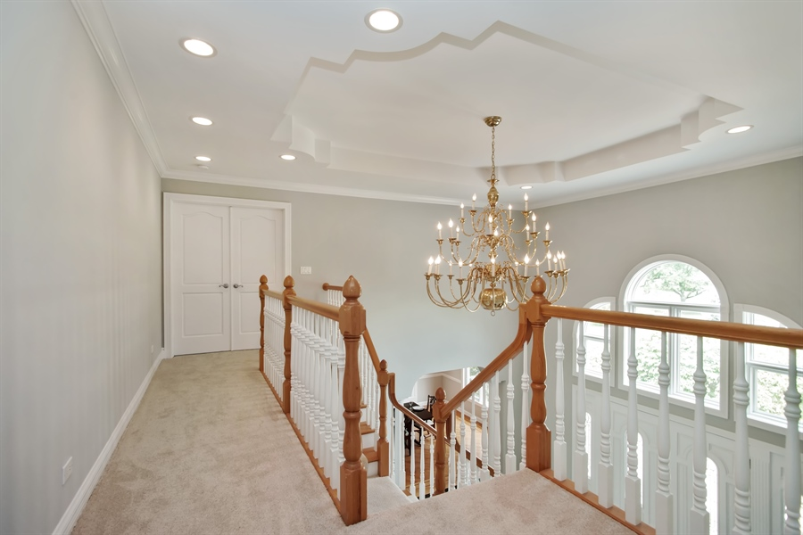 Real Estate Photography - 15 S Meadow, South Barrington, IL, 60010 - Foyer