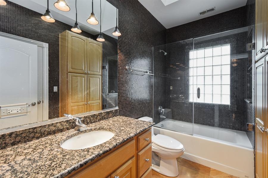 Real Estate Photography - 6 Falcon Ct., South Barrington, IL, 60010 - 3rd Bathroom