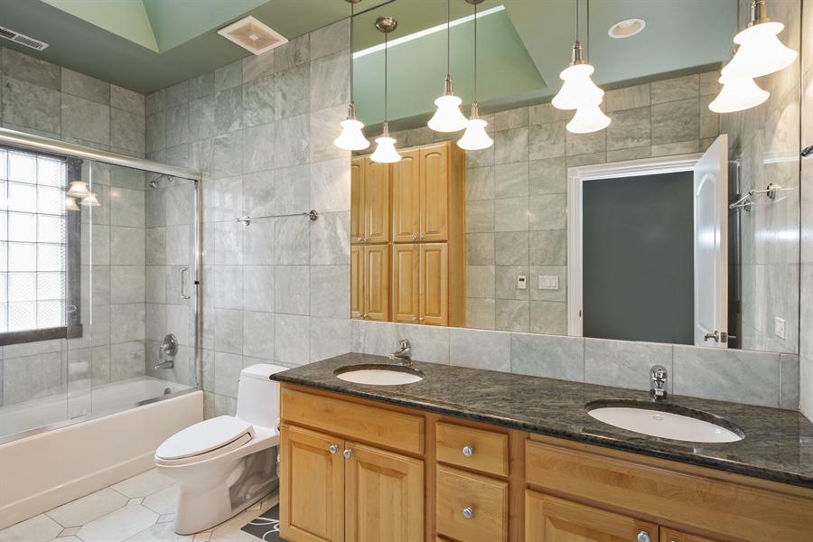 Real Estate Photography - 6 Falcon Ct., South Barrington, IL, 60010 - 4th Bathroom