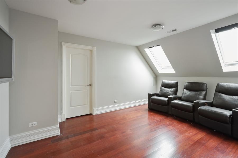 Real Estate Photography - 6 Falcon Ct., South Barrington, IL, 60010 - Bonus Room