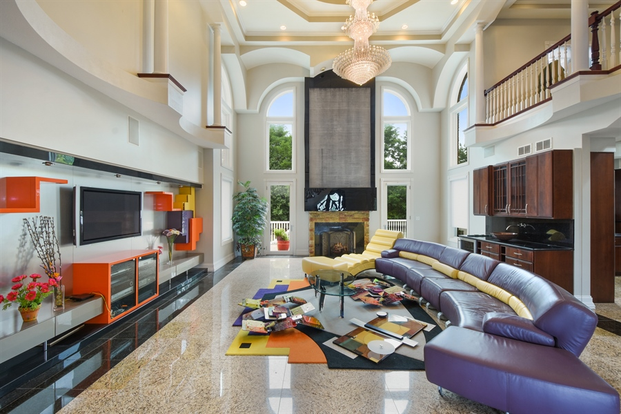 Real Estate Photography - 6 Falcon Ct., South Barrington, IL, 60010 - Family Room