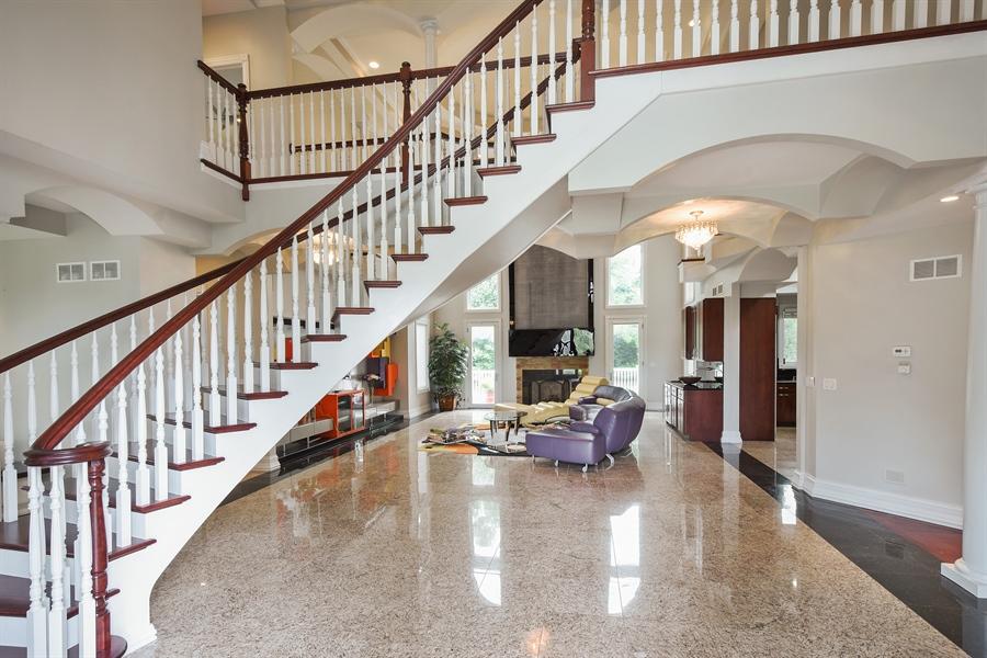 Real Estate Photography - 6 Falcon Ct., South Barrington, IL, 60010 - Foyer