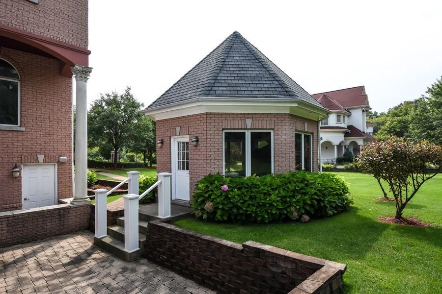 Real Estate Photography - 6 Falcon Ct., South Barrington, IL, 60010 - Gazebo