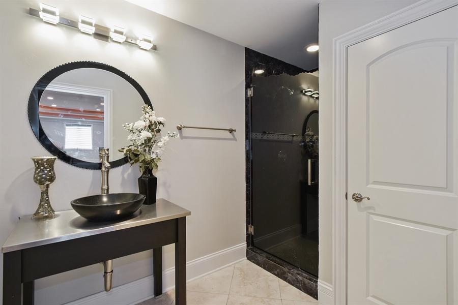 Real Estate Photography - 6 Falcon Ct., South Barrington, IL, 60010 - Lower Level Bath