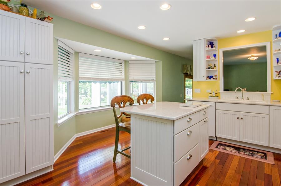 Real Estate Photography - 1159 Stanton Rd, Lake Zurich, IL, 60047 - Kitchen
