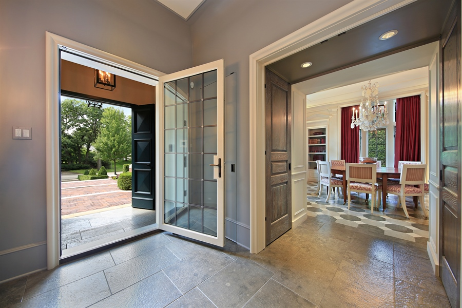 Real Estate Photography - 939 Cleveland, Hinsdale, IL, 60521 - Foyer