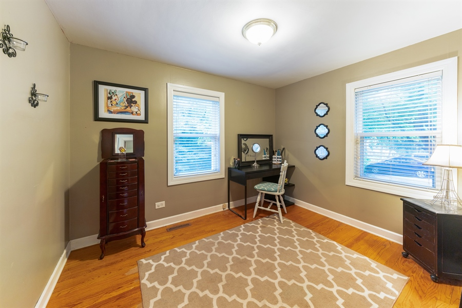 Real Estate Photography - 345 Burnidge Ct, South Elgin, IL, 60177 - 2nd Bedroom