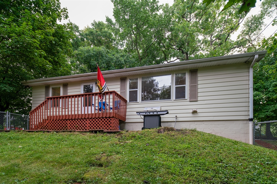 Real Estate Photography - 345 Burnidge Ct, South Elgin, IL, 60177 - Front View