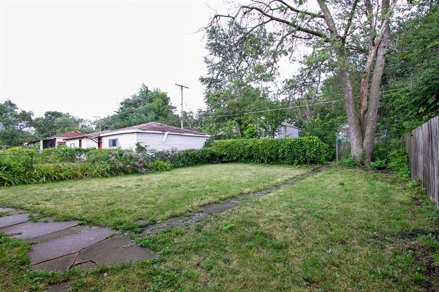 Real Estate Photography - 10138 S Parnell Ave, Chicago, IL, 60628 - Back Yard