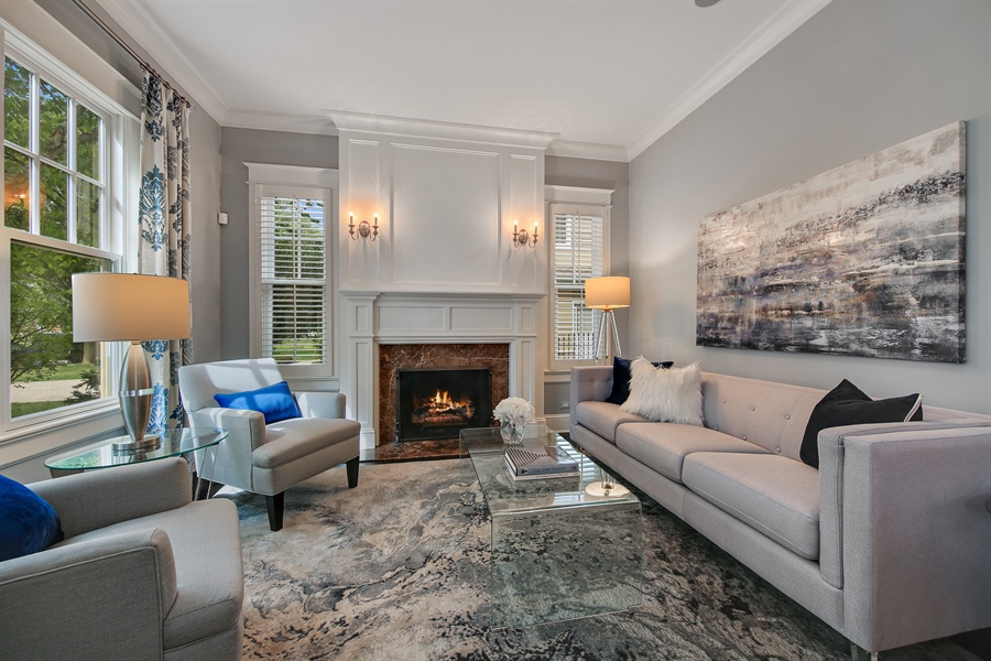 Real Estate Photography - 311 W 9th St, Hinsdale, IL, 60521 - Living Room