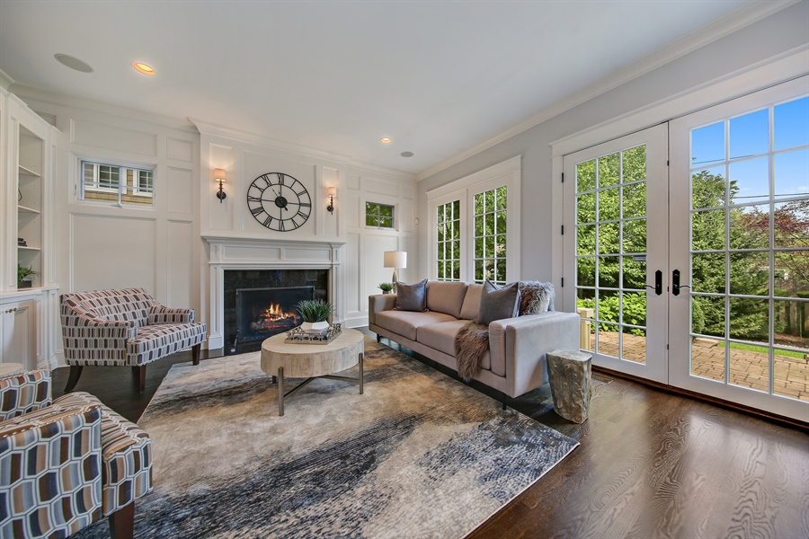 Real Estate Photography - 311 W 9th St, Hinsdale, IL, 60521 - Family Room