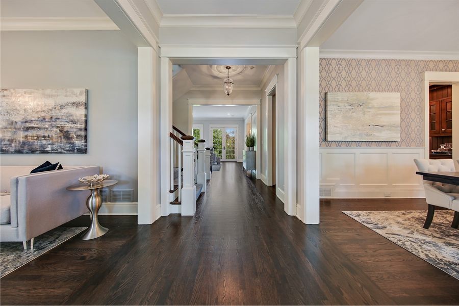 Real Estate Photography - 311 W 9th St, Hinsdale, IL, 60521 - Foyer