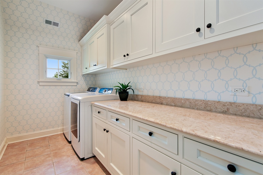Real Estate Photography - 311 W 9th St, Hinsdale, IL, 60521 - Laundry Room