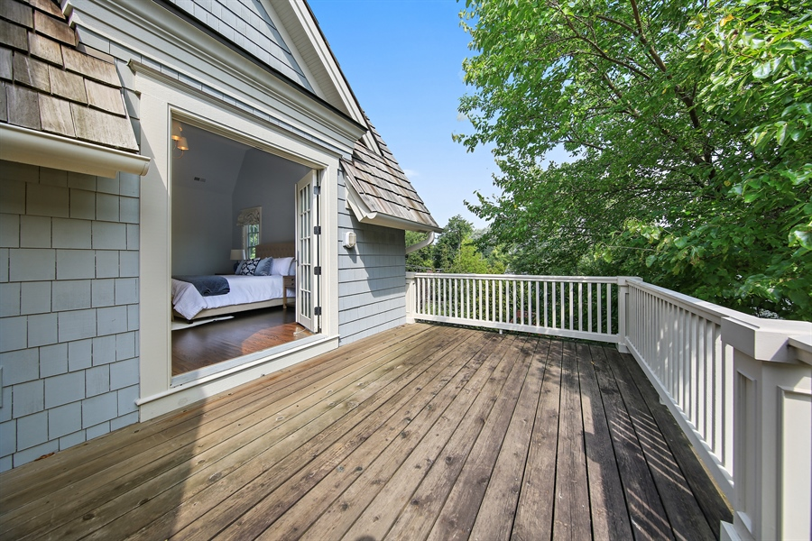 Real Estate Photography - 311 W 9th St, Hinsdale, IL, 60521 - Balcony