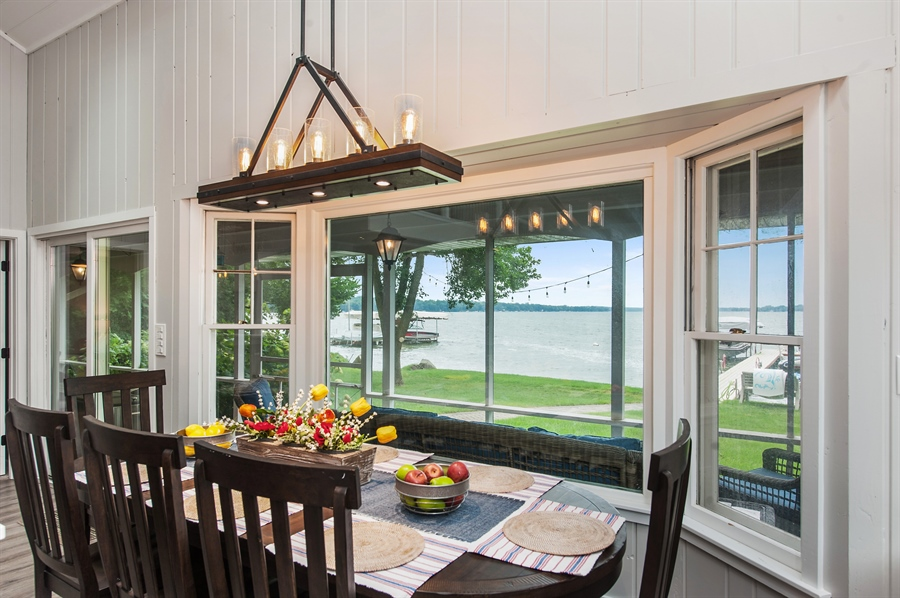 Real Estate Photography - 271 W. Park Drive, Twin Lake, WI, 53181 - Dining Area