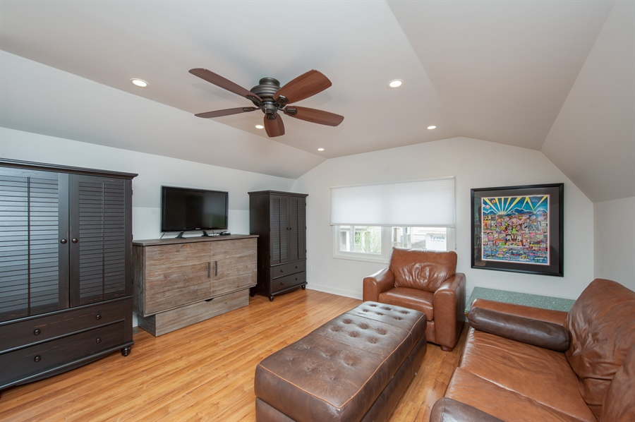 Real Estate Photography - 271 W. Park Drive, Twin Lake, WI, 53181 - Guest House - Living Area