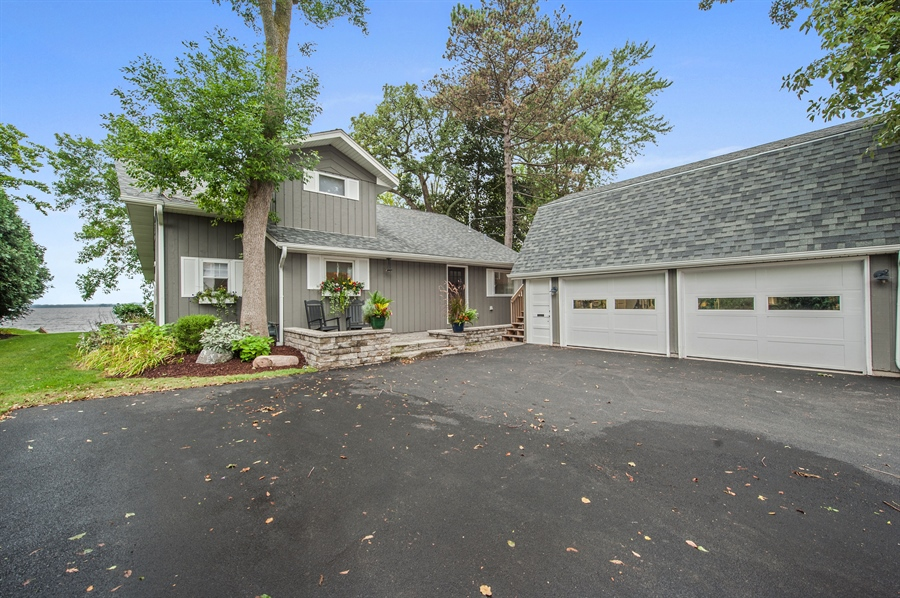 Real Estate Photography - 271 W. Park Drive, Twin Lake, WI, 53181 - Front View