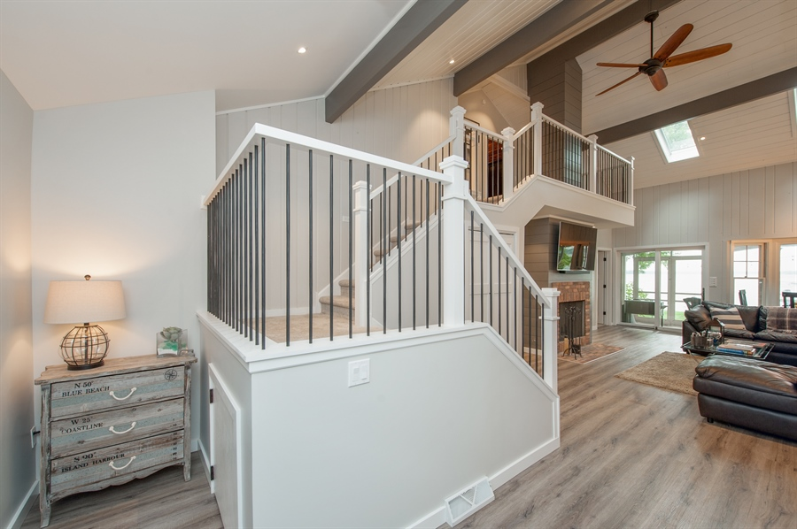 Real Estate Photography - 271 W. Park Drive, Twin Lake, WI, 53181 - Entryway