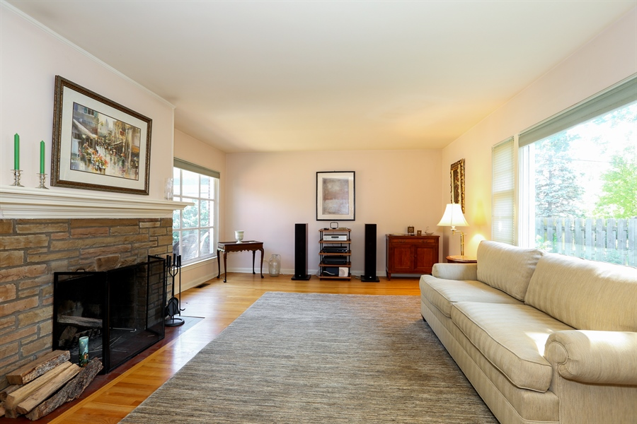 Real Estate Photography - 4234 Linden Ave, Western Springs, IL, 60558 - Living Room