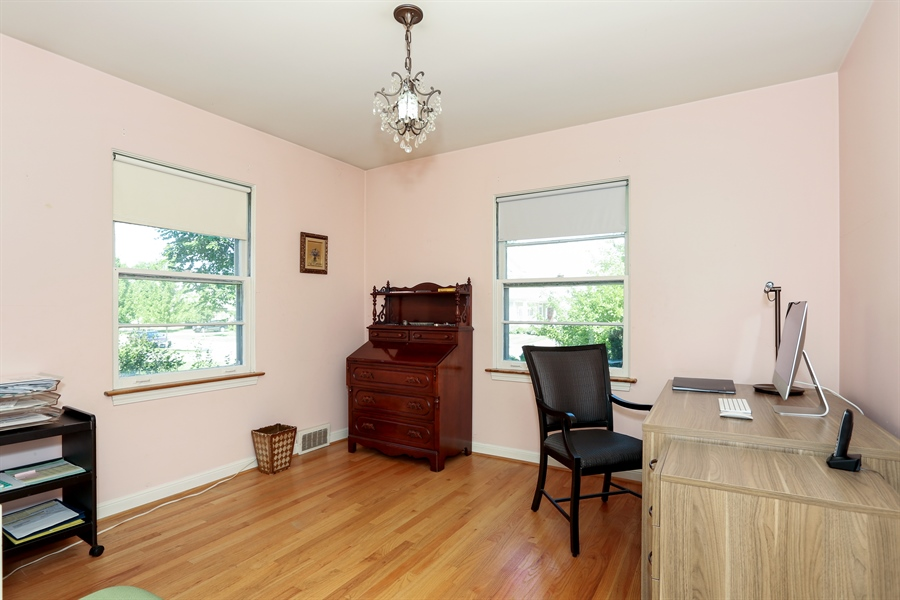 Real Estate Photography - 4234 Linden Ave, Western Springs, IL, 60558 - Bedroom
