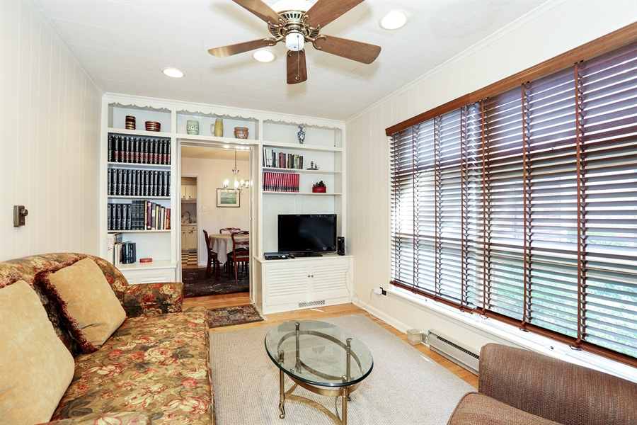 Real Estate Photography - 4234 Linden Ave, Western Springs, IL, 60558 - Sun Room