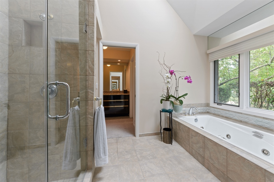 Real Estate Photography - 5322 Fenview Ct., Long Grove, IL, 60047 - Master Bathroom