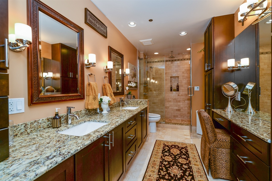 Real Estate Photography - 1020 S Wabash, 8C, Chicago, IL, 60605 - Master Bathroom