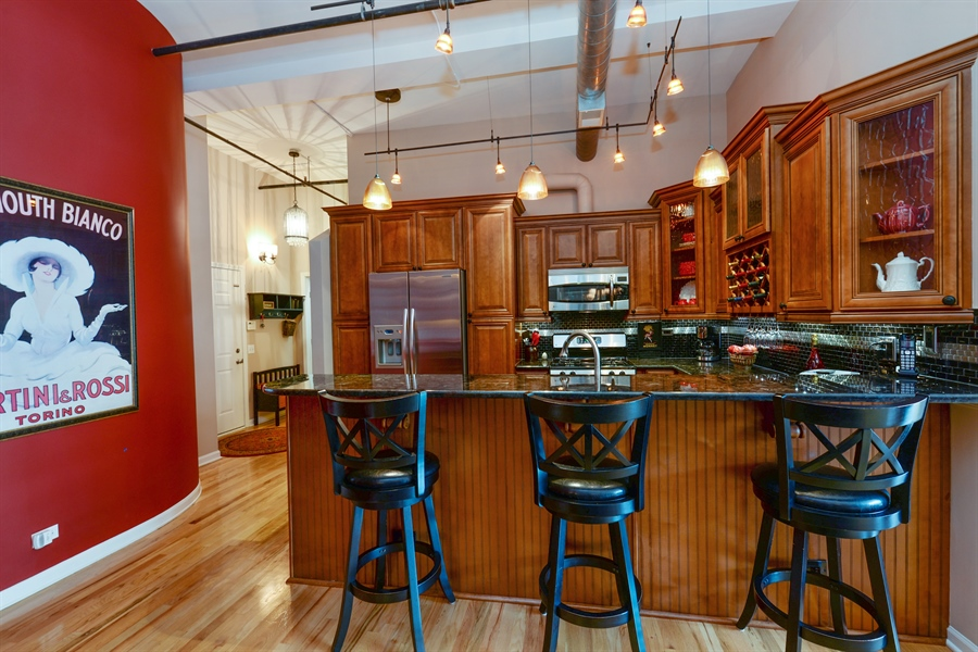 Real Estate Photography - 1020 S Wabash, 8C, Chicago, IL, 60605 - Kitchen